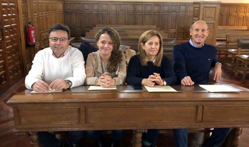 Los parlamentarios socialistas recogen sus credenciales para el Congreso de los Diputados y el Senado
