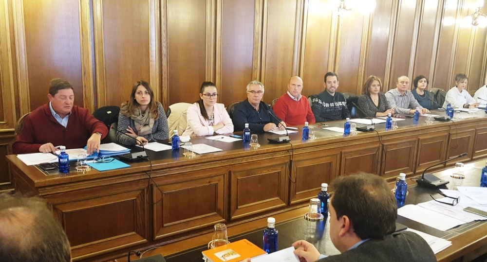 El Pleno de Diputaci�n aprueba la propuesta del PSOE contra el Plan de la cuenca del Guadiana del Ejecutivo de Rajoy