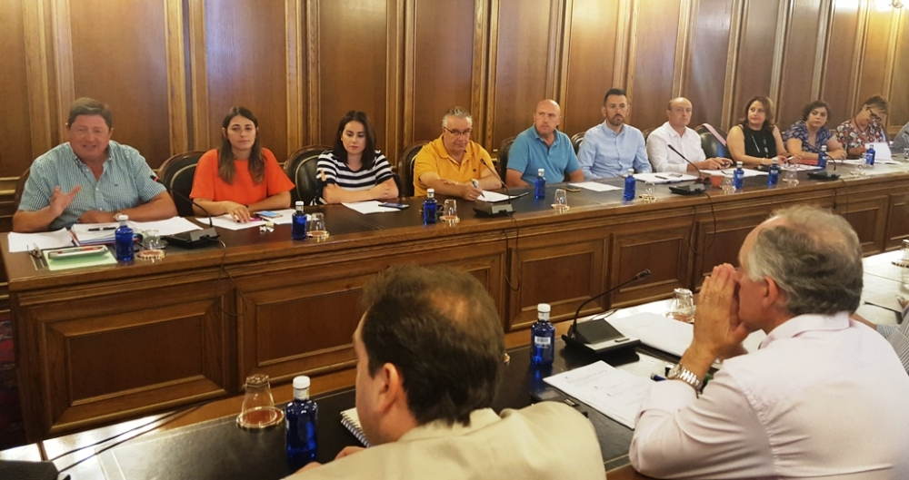 El PSOE pide una comisi�n de investigaci�n por los gastos en el servicio de bomberos sin cr�dito adecuado ni informes de intervenci�n
