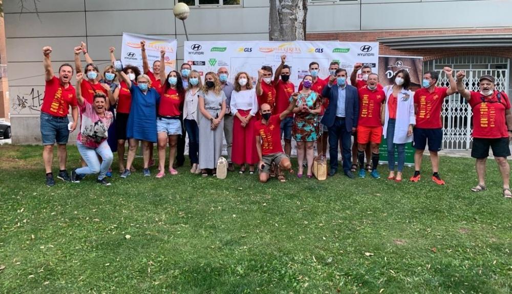 Los socialistas conquenses reciben a la expedici�n del Movimiento Utreya a su paso por Cuenca con sus